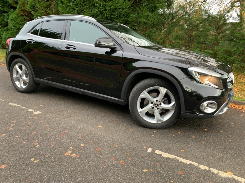 used Mercedes 200 GLA  D SPORT in surrey