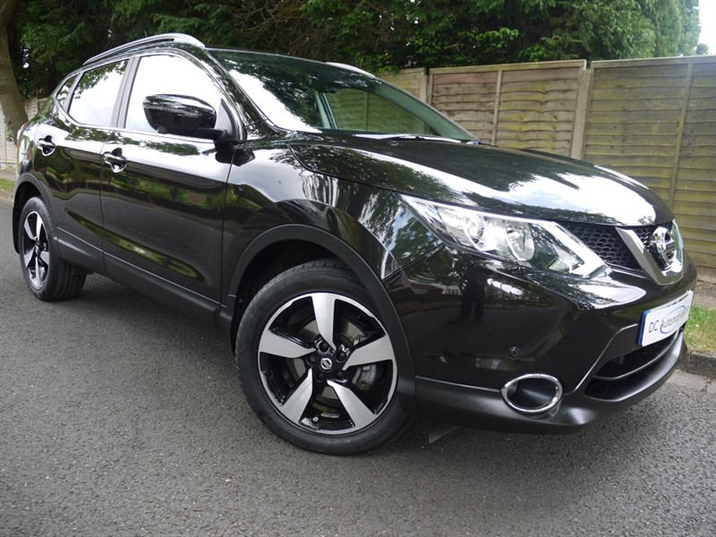used Nissan Qashqai N-TEC PLUS DIG-T in surrey