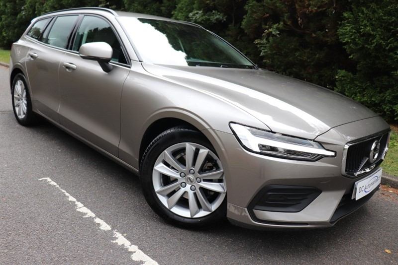 used Volvo V60 D3 MOMENTUM in surrey