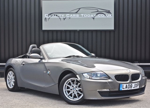 used BMW Z4 2.5 SE Roadster *1 Former Keeper* in sheffield