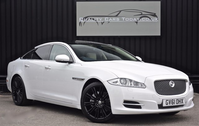 used Jaguar XJ 3.0 D V6 PORTFOLIO SWB *1 Former Keeper + Full Jaguar History* in sheffield