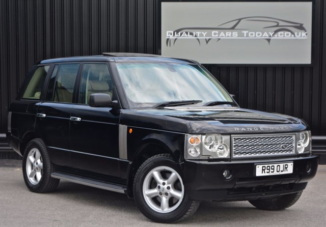 used Land Rover Range Rover 3.0 TD6 VOGUE *Full Service History* in sheffield