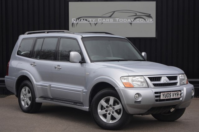 used Mitsubishi Shogun Elegance LWB 3.2 DI-D 7 Seats *1 Former Keeper + High Spec* in sheffield