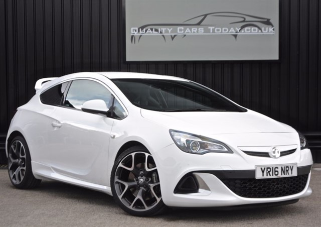 used Vauxhall Astra VXR Aero Pack *1 Gentleman Owner* in sheffield
