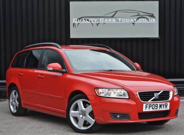 used Volvo V50 2.0D SE Automatic *Full Leather + Full History + Beautiful* in sheffield