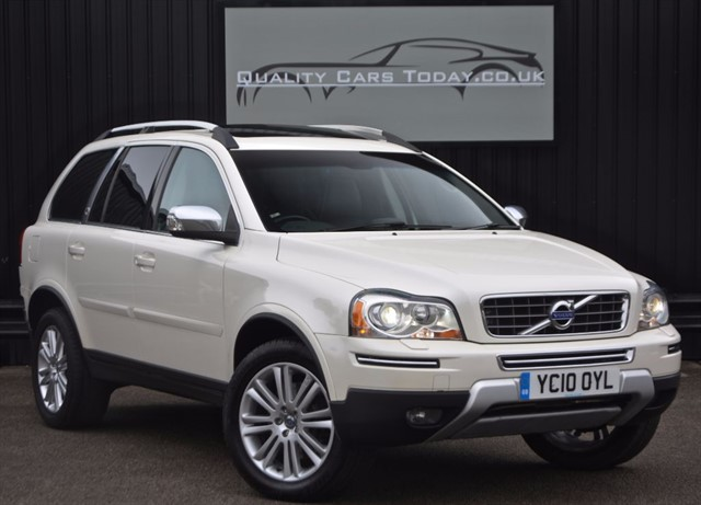 used Volvo XC90 2.4 D5 EXECUTIVE AWD *1 Former Keeper + Full Volvo History + Massive Spec in sheffield