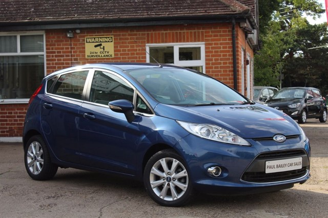 used Ford Fiesta ZETEC 16V in chelmsford-essex