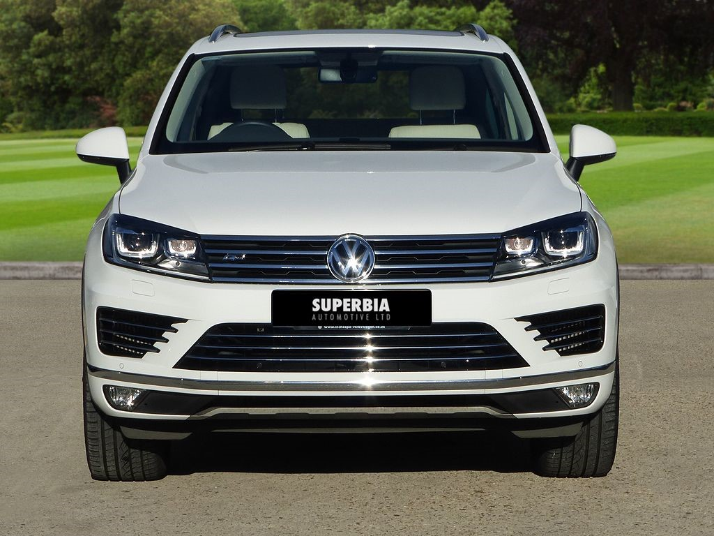 volkswagen touareg in romford essex compucars. Black Bedroom Furniture Sets. Home Design Ideas