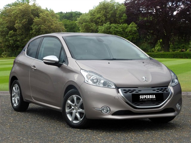 used Peugeot 208 ALLURE E-HDI in Chelmsford-essex