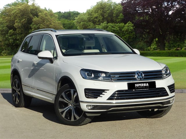 used VW Touareg V6 R-LINE TDI BLUEMOTION TECHNOLOGY in romford-essex