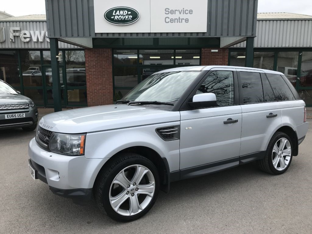 spec service hampshire hse land dealer sport checked for diesel in sale top low used black main rover surrey reverse miles camera range hpi