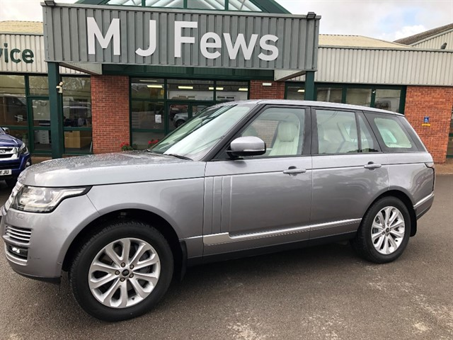 used Land Rover Range Rover SDV8 VOGUE SE in gloucestershire