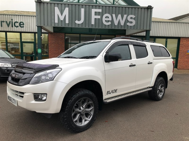used Isuzu D-Max TD BLADE DCB in gloucestershire