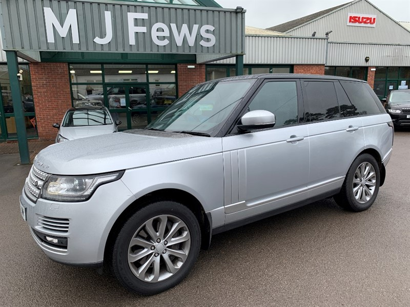used Land Rover Range Rover SDV8 VOGUE in gloucestershire