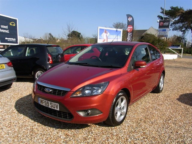 used Ford Focus 1.6 Zetec 3dr Automatic in dorset