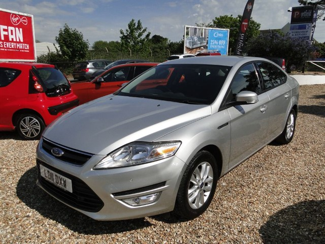 used Ford Mondeo 2.0 TDCi 140 Zetec 5dr Manual 6 Speed in dorset