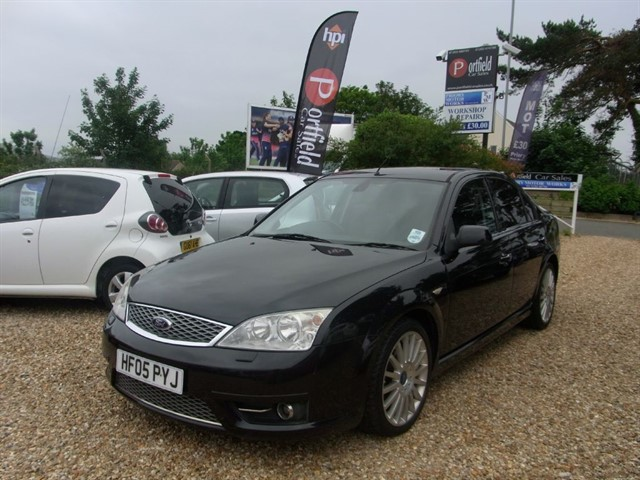 used Ford Mondeo 3.0 V6 ST220 4dr Manual 6 Speed in dorset