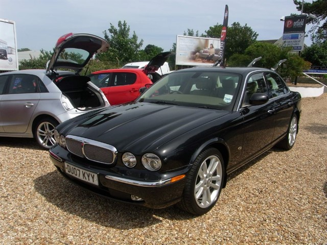 used Jaguar XJ 2.7 TDVi SOVEREIGN 4dr Automatic in dorset