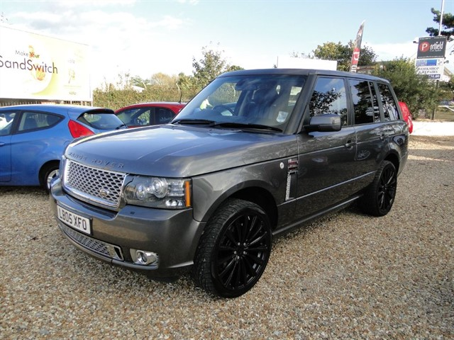 used Land Rover Range Rover 4.2 V8 Supercharged Vogue SE 4x4 5dr Auto in dorset