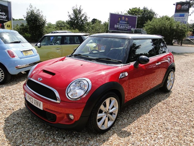 used MINI Hatch 2.0d Cooper SD Sport Chili Pack 3dr Manual 6 Speed in dorset