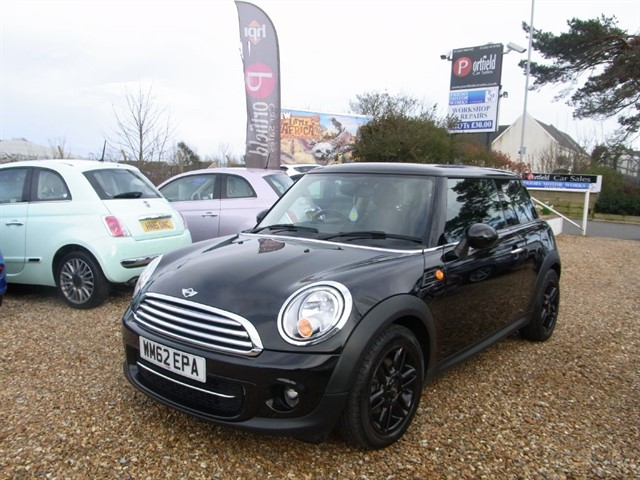 used MINI Hatch 1.6 Cooper D Chili 3dr Manual 6 Speed in dorset