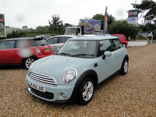 used MINI Hatch 1.6 ONE 3dr Manual 6 Speed in dorset