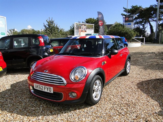 used MINI Hatch 1.6 ONE Pepper 3dr Manual 6 Speed in dorset