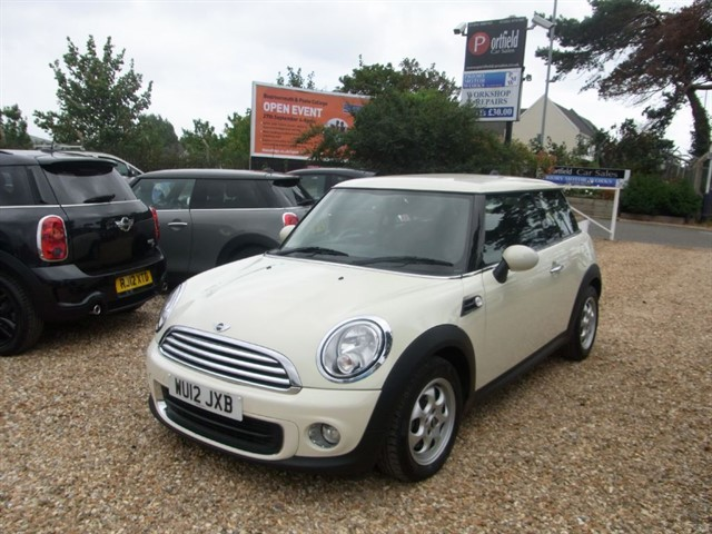 used MINI Hatch 1.6 ONE Avenue 3dr Manual 6 Speed in dorset