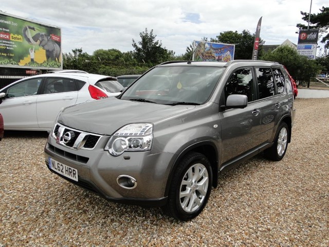 used Nissan X-Trail 2.0 dCi Tekna 2WD/4WD 5dr Manual 6 Speed in dorset