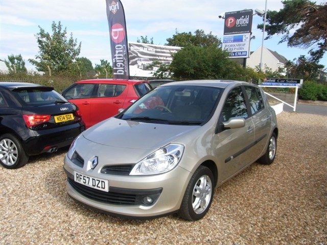 used Renault Clio 1.5 dCi Privilege 5dr Manual in dorset