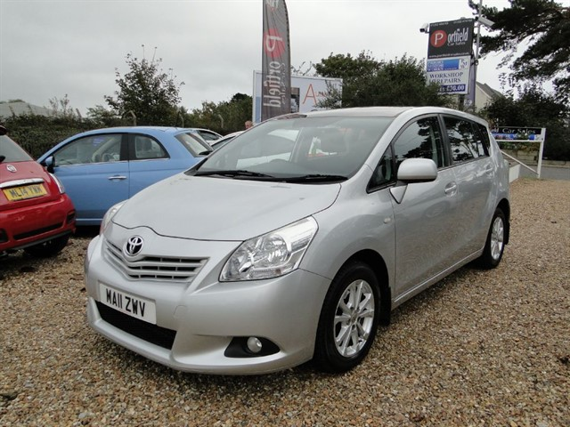 used Toyota Verso 2.0 D-4D TR 7 Seat MPV Manual 6 Speed in dorset