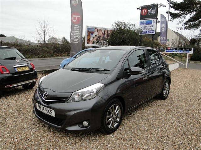used Toyota Yaris 1.4 D-4D Icon Plus 5dr Manual 6 Speed in dorset
