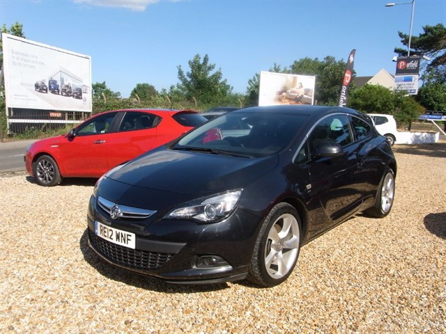 used Vauxhall Astra GTC 2.0 CDTi SRi S/S 3dr Manual 6 Speed in dorset