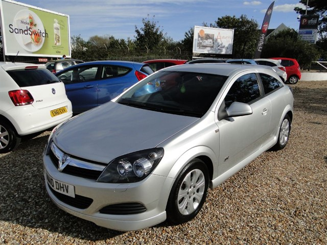 used Vauxhall Astra 1.4 Sport Hatch 3dr Manual in dorset