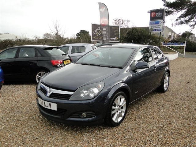 used Vauxhall Astra 1.6 VVTi SRi Sport Hatch 3dr Manual in dorset