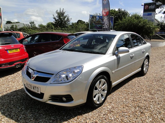 used Vauxhall Vectra 1.8 VVT Exclusiv 5dr Manual in dorset
