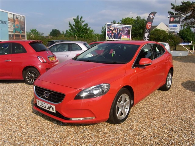 used Volvo V40 1.6 D2 SE s/s 5dr Manual 6 Speed  in dorset