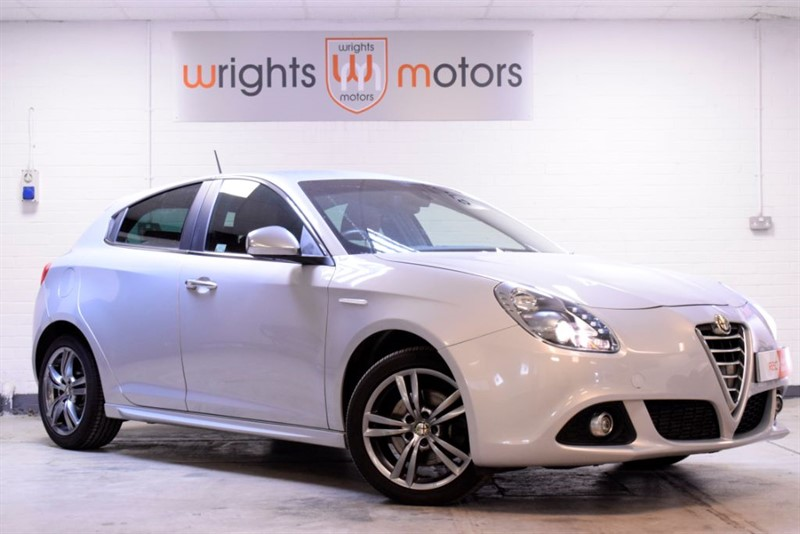 used Alfa Romeo Giulietta JTDM-2 EXCLUSIVE HALF LEATHER & ONE OWNER !! in Norfolk