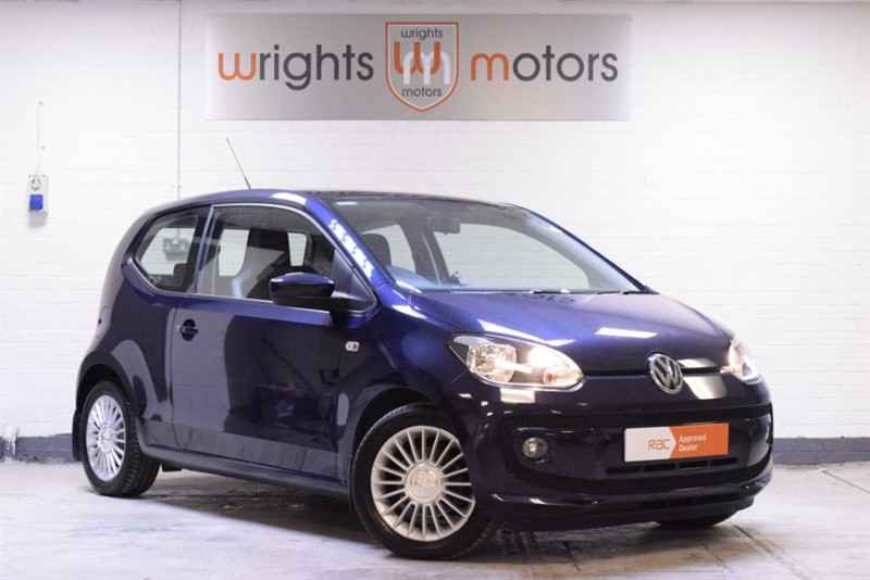 used VW Up HIGH UP BLUEMOTION TECHNOLOGY PANO ROOF & SAT NAV !! in Norfolk