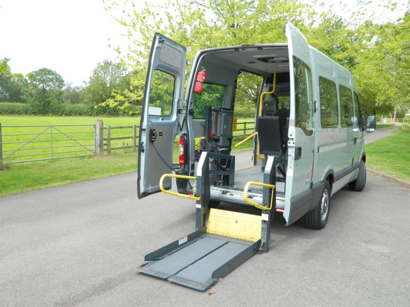 used Renault Master SM33 SWB Wheelchair Accessible Vehicle in in-oxfordshire