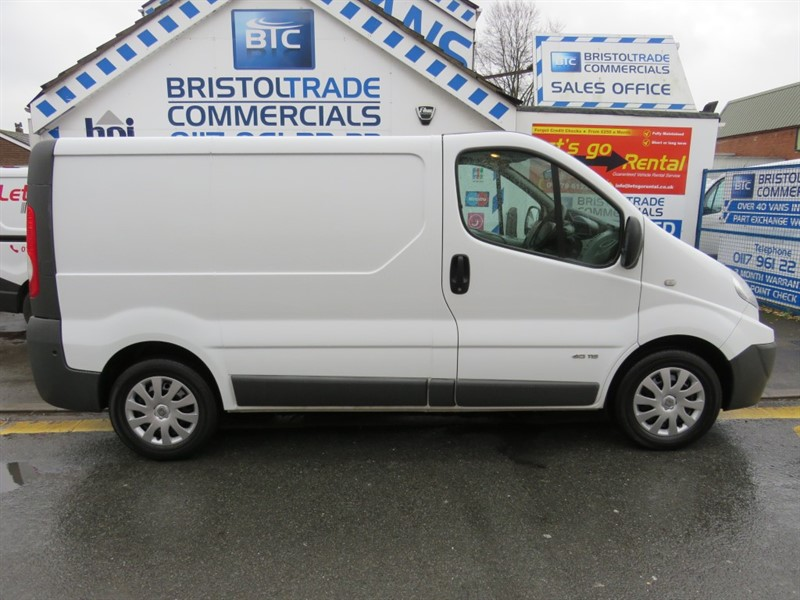 used white renault trafic for sale bristol. Black Bedroom Furniture Sets. Home Design Ideas