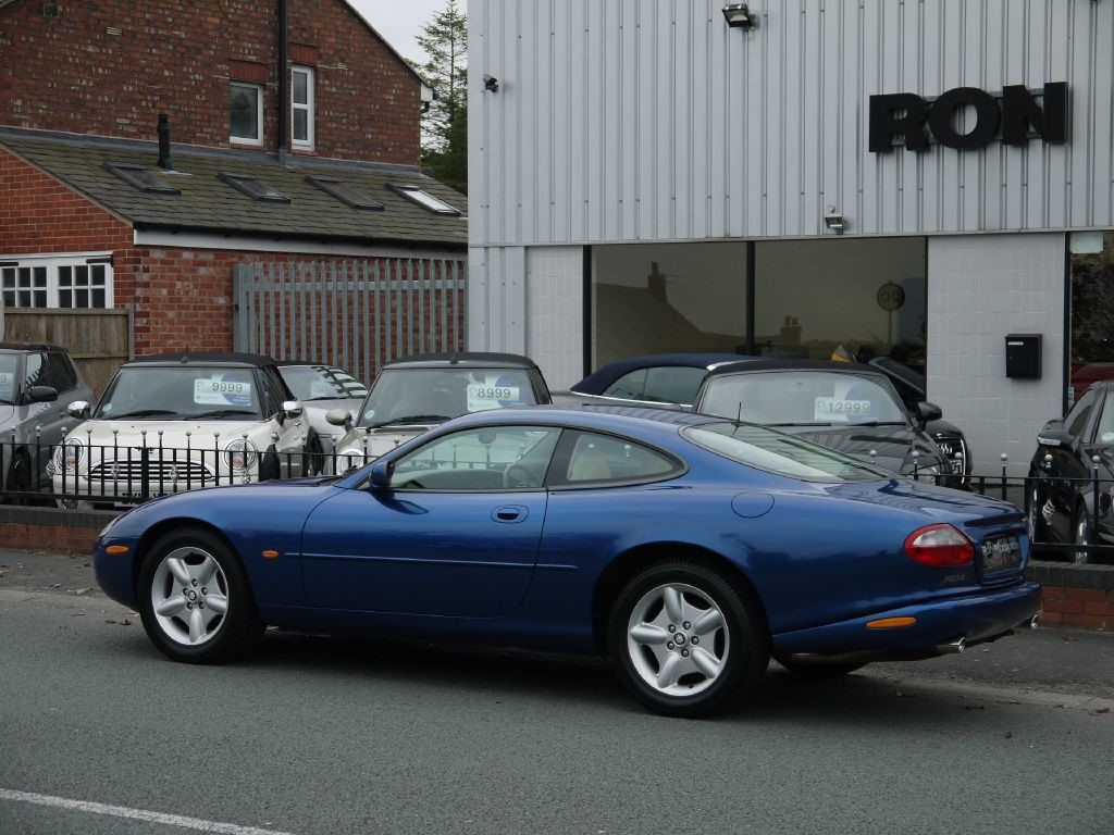 used jaguar xk8 for sale skelmersdale lancashire. Black Bedroom Furniture Sets. Home Design Ideas
