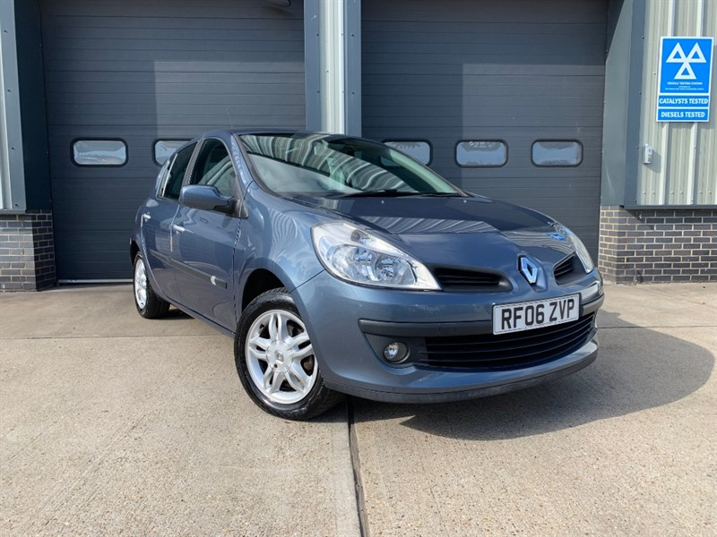 used Renault Clio PRIVILEGE 16V in burnham-on-crouch