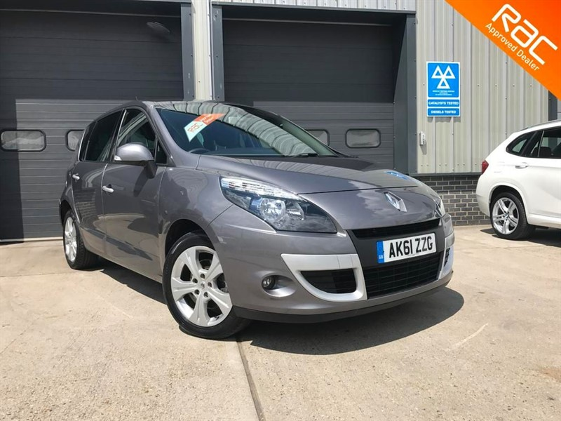 used Renault Scenic DYNAMIQUE TOMTOM DCI EDC in burnham-on-crouch