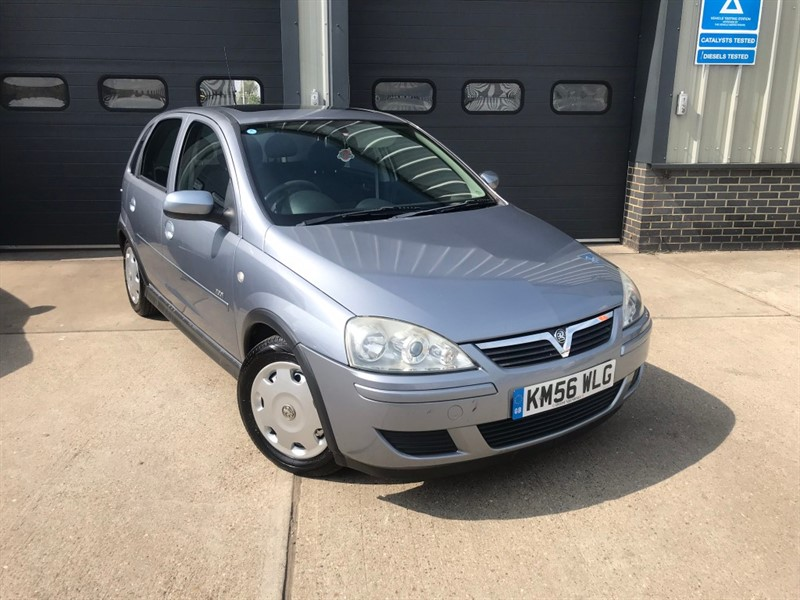 used Vauxhall Corsa DESIGN 16V TWINPORT in burnham-on-crouch