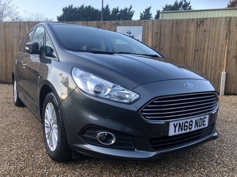 used Ford S-Max ZETEC ECOBLUE ONE OWNER JUST SERVICED-FORD WARRANTY TILL NOV 2021 in welwyn-hertfordshire