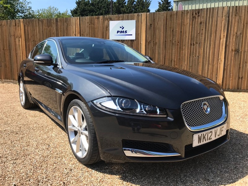 used Jaguar XF D PREMIUM LUXURY SAT NAV*LEATHER INTERIOR* in welwyn-hertfordshire