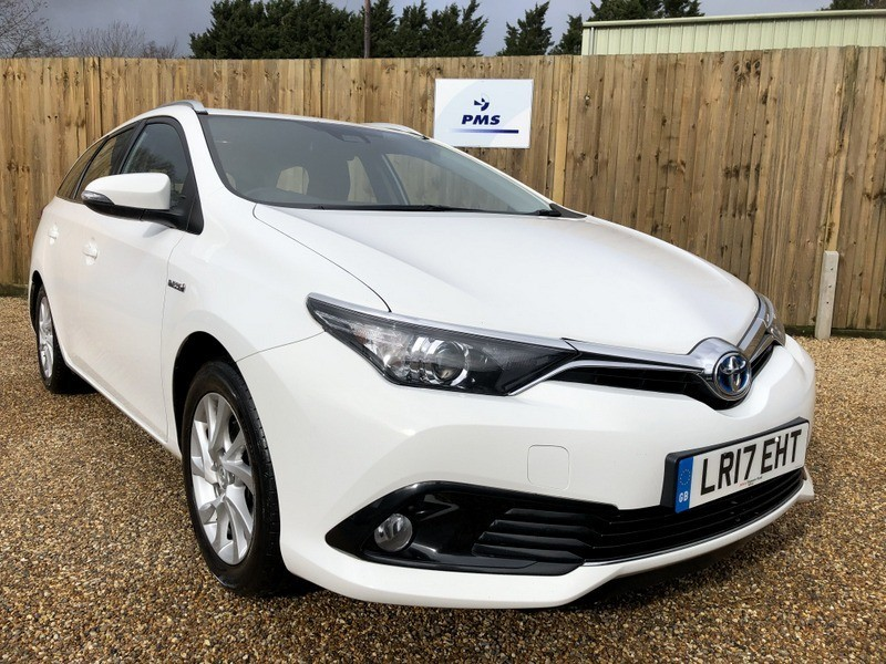 used Toyota Auris VVTI BUSINESS EDITION TOURING SPORTS TSS in welwyn-hertfordshire
