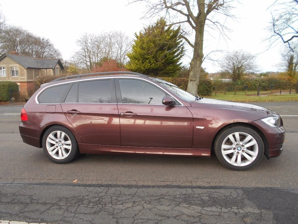 used BMW 330d SE Touring in newmarket-suffolk