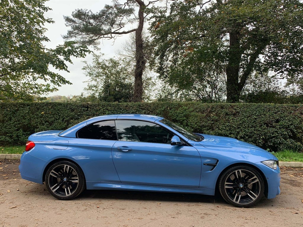 used BMW M4 M DCT (s/s) in newmarket-suffolk